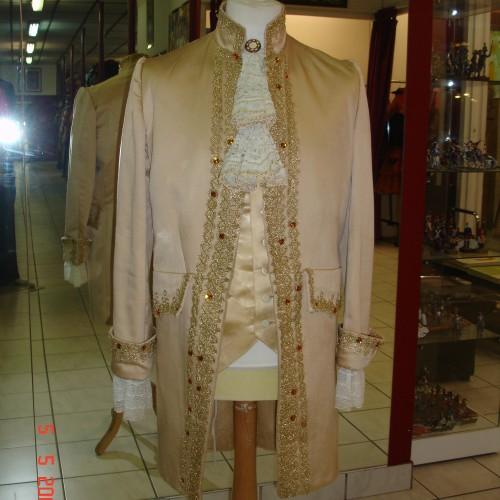 Costume de cour