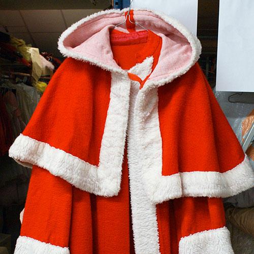 Pensez à réserver votre costume de Père Noël ou de Saint Nicolas.
