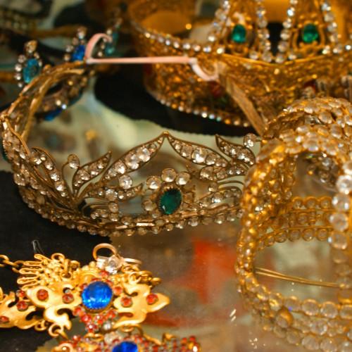 Couronnes et bijoux